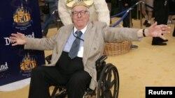 Рэй Брэдбери (1920-2012) Диснейленд паркының 50 еллыгы бәйрәмендә. 2005 ел