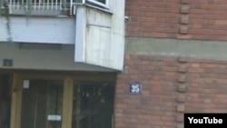 Зграда во Капиштец, во општина Центар во Скопје. Опозицијата тврди дека власта на оваа адреса регистрирала фиктивни гласачи.