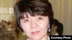 Экономист, Қоғамдық проблемаларды талдау орталығы директоры Меруерт Махмұтова.