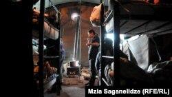 უსახლკაროთა საცხოვრებელი კარავი თბილისში