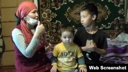 Жительница Кызылорды Гульшара Исмагулова с детьми. 2 апреля 2020 года.