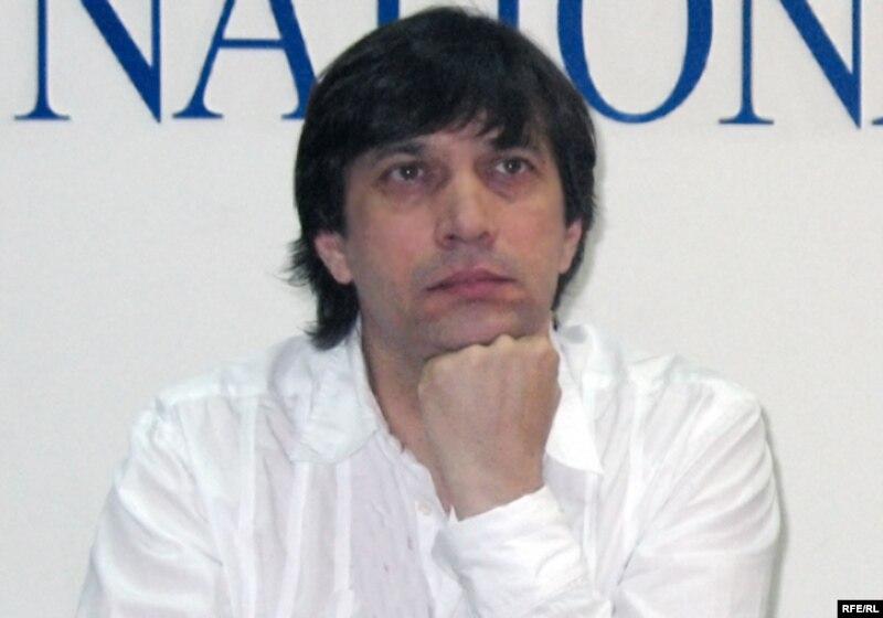 Сергей Дворцевой, режиссер фильма «Тюльпан», на пресс-конференции в Алматы. 16 июня 2008 года