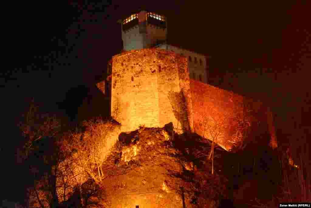 Щороку під час різдвяних і новорічних свят місто Градачац у Боснії й Герцеговині набуває нового, «казкового» вигляду