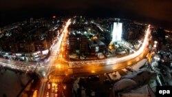 Prishtina natën (Pamje nga ajri)