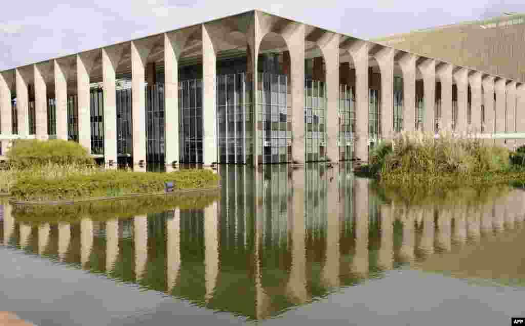 The Foreign Ministry buildingin Brasilia