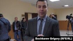 Сергей Резник за несколько минут до того, как на него надели наручники. Фото Григория Бочкарева, 26 ноября 2013 года