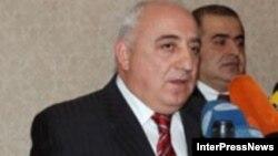 Гелбахиани, который возглавлял предвыборный штаб бизнесмена Бадри Патаркацишвили во время президентских выборов 2008 года, был обвинен в заговоре с целью насильственного свержения власти