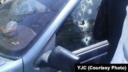 خودروی معلم ایرانشهری پس از اصابت گلوله و کشتن شدن وی