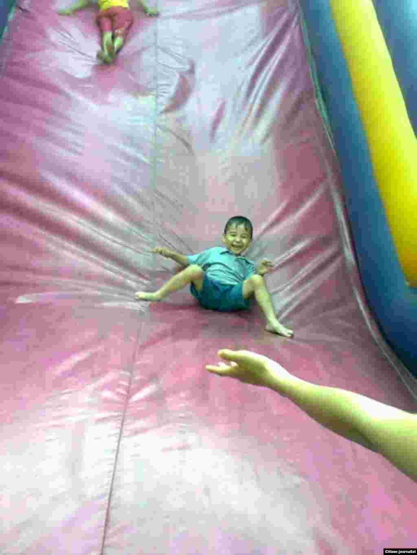 Детство - самая счастливая пора. Пусть все дети на казахской земле будут счастливыми. Прислала Байсеитова Айткул.