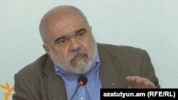 Директор Института Кавказа в Ереване Александр Искандарян