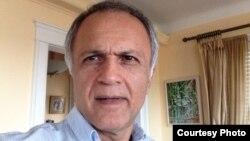 جمشید اکرمی، استاد دانشگاه و منتقد سینمایی مقیم آمریکا