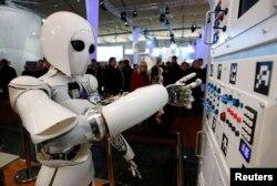 Германияда жасалған робот. Көрнекі сурет