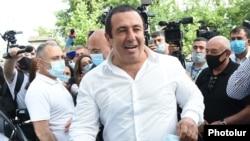 Armenia -- Prosperous Armenia Party leader Gagik Tsarukian arrives for a court hearing in Yerevan, June 21, 2020.