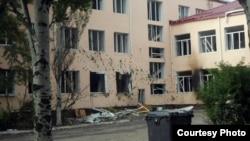 Школа, адкуль стралялі сэпаратысты, а ўкраінскія войскі стралялі ў адказ