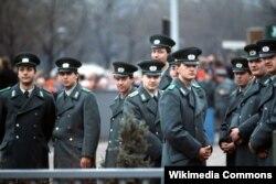 Народная полиция была создана 20 мая 1945 года в Берлине под контролем советской военной администрации