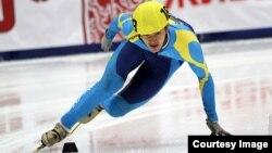 Участник казахстанской сборной по шорт-треку Абзал Ажгалиев.