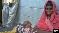 خشکسالی و افزایش قیمت مواد غذایی خانواده های اتیوپیایی را با مشکلات جدی مواجه کرده است.(عکس: AFP)