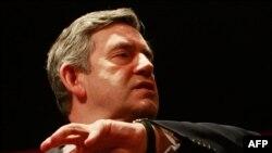 Гордон Браун обещает разобраться с депутатскими тратами