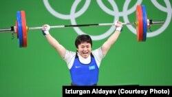 Казахстанская штангистка Жазира Жаппаркул на Олимпийских играх в Рио-де-Жанейро, Бразилия.
