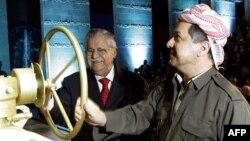 بارزاني وطلباني يدشنان خط تصدير النفط من إقليم كردستان العراق