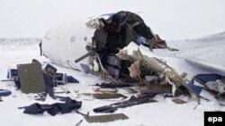 Причинами аварии могли быть неисправность самолета, ошибка экипажа и погодные условия