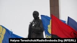 Львів'яни вшанували пам'ять Бандери, Львів, 1 січня 2015 року