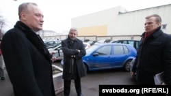 Уладзімер Някляеў, Аляксандар Мілінкевіч і Віталь Рымашэўскі ідуць на сустрэчу з пасолом Ізраіля Іосіфам Шагалам