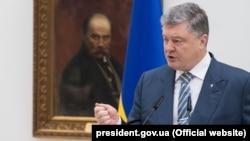 Легітимними президентськими виборами в Криму можуть бути лише вибори президента України – Порошенко