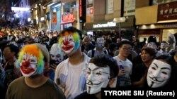 Участники протестов в Гонконге.