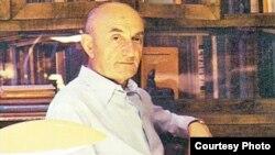 «Корифей абхазской исторической науки» – именно так лучше всего охарактеризовать личность Георгия Дзидзария. Ему выпало жить в такое время и в такой стране, в которой история была тесно переплетена с политикой