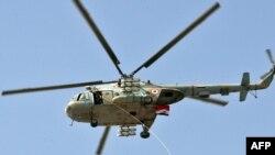 Усе необхідне мешканцям скидають вертольоти
