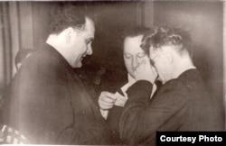 Янка Брыль, Вячаслаў Палескі і Тарас Хадкевіч. 1952 – 1954 гг. З фондаў БДАМЛМ