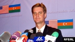 Мэтью Брайза на пресс-конференции в Баку (архивное фото)