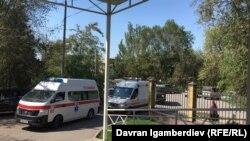 Раненых в ходе перестрелки на границе привезли в Бишкек. 17 сентября 2019 года.