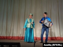 Әлфия Рәҗапова белән Илгизәр Шакиров
