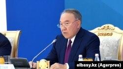Gazagystanyň öňki prezidenti Nursultan Nazarbaýew