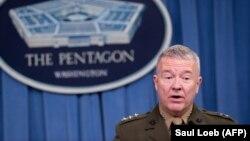 """د امریکا متحده ایالاتو د مرکزي قوماندانۍ مشر جنرال کېنېت مککنزي؛ """"د امریکا پوځ ښایي د طالبانو پر وړاندې عملیات ډېر کړي."""""""