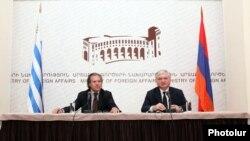 Ուրուգվայի եւ Հայաստանի արտգործնախարարներ Լուիս Ալմագրո եւ Էդվարդ Նալբանդյան