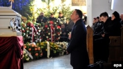 Президент Польщі Анджей Дуда на церемонії прощання з Лукашем Урбаном, 30 грудня 2016 року