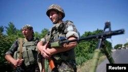 Донецкидеги украин аскерлери, 5-июнь, 2014.