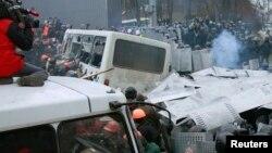 Під час протистояння на вулиці Грушевського. Київ, 19 січня 2014 року