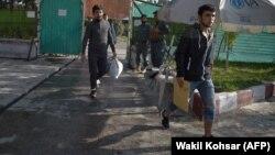 Афганцы, чьи прошения об убежище были отвергнуты, прибыли в Кабул из Германии. Сентябрь 2017 года. Иллюстративное фото.