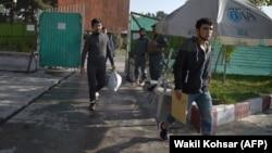 Одна из предыдущих депортированных из Германии групп беженцев. Кабул, 13 сентября 2019 года.