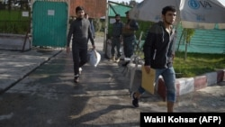 Афганцы, депортированные из Германии (архивное фото)