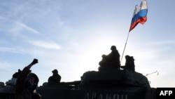 Бойовики угруповання «ДНР» біля Старобешева. 24 лютого 2015 року. Ілюстраційне фото