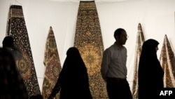 Iran -- People visit Iran's international hand-woven carpet exhibition in Tehran, September 29, 2013