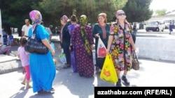 Türkmen zenanlary.