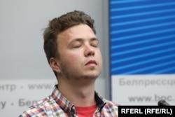 Роман Протасевич на брифинге, организованном Министерством иностранных дел Беларуси