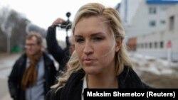 Rus oppozisiýa lideri Alekseý Nawalnynyň şahsy lukmany we ýarany Anastasiýa Wasiliýewa IK-2 düzediş koloniýasyna tarap barýar. 6-njy aprel