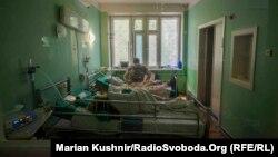 6 min 613 nəfərin xüsusi rejimli xəstəxanalarda müalicəsi davam etdirilir.